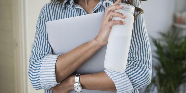 Bankfachliches Onboarding für MitarbeiterInnen - Foto: bluewater globe, unsplash.com
